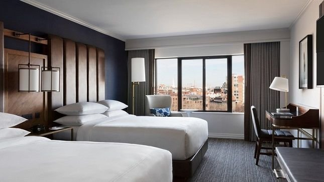 Stay at Marriott Long Wharf