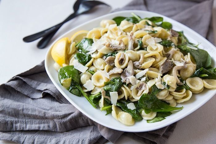 Oyster Mushroom and Spinach with Pasta, Garlic and Lemon