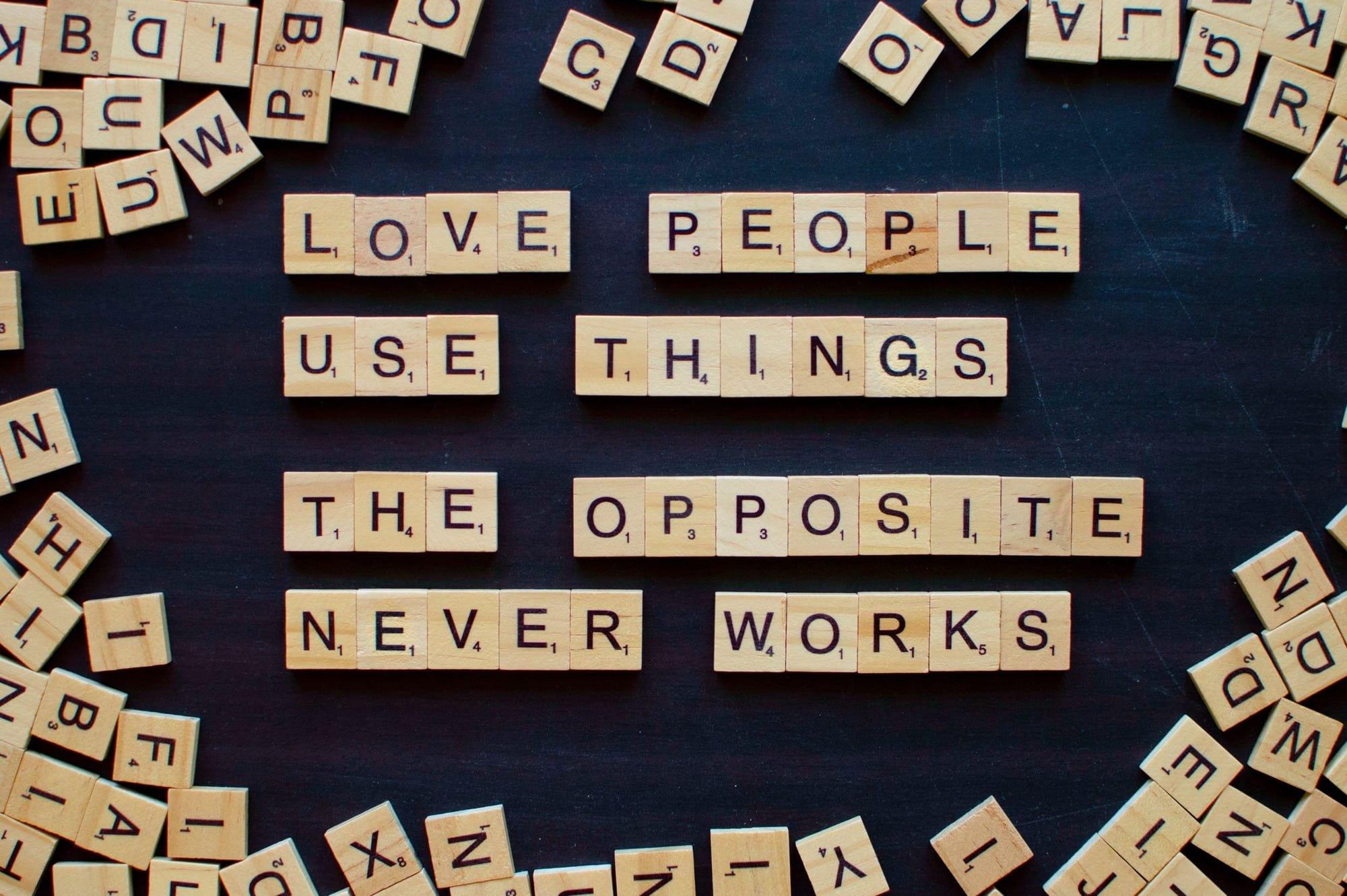 מערכות יחסים, אהבה, אינטימיות , רגש