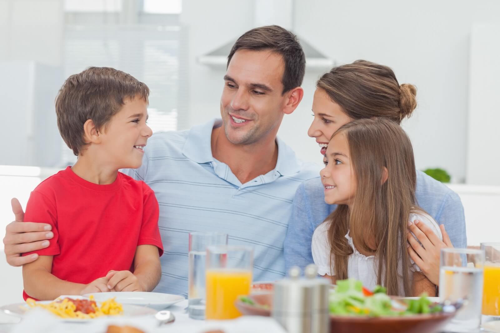 שיח משפחתי, ארוחת משפחתית, מריבות בן אחים ,