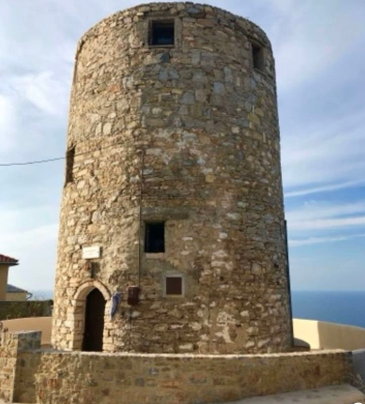 Tower in Old Alonissos