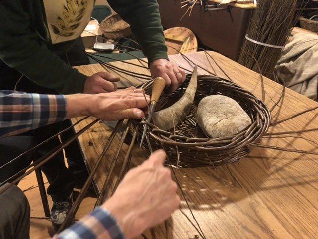 Finishing the basket...