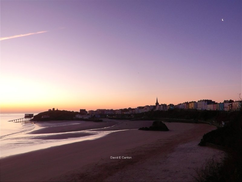 An early morning photo of Tenby just before dawn.