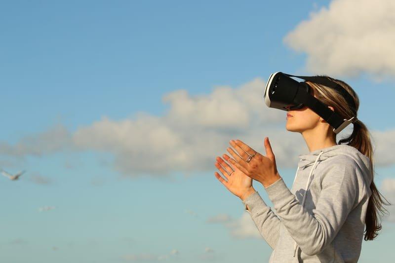 הפקת תכנים 360 וסיורים אינטראקטיביים