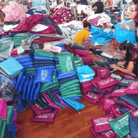 Xưởng sản xuất áo mưa theo yêu cầu
