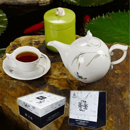 Bộ ấm uống trà dáng mẫu đơn tặng mẹ