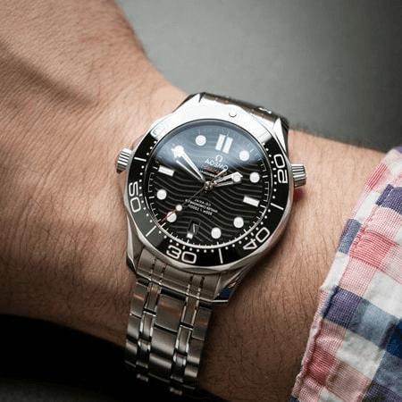 Đồng hồ lịch lãm được nam giới yêu thích