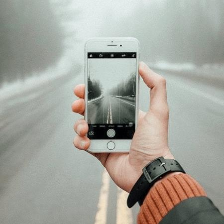Smartphone hiện đại là món quà sinh nhật tuyệt vời
