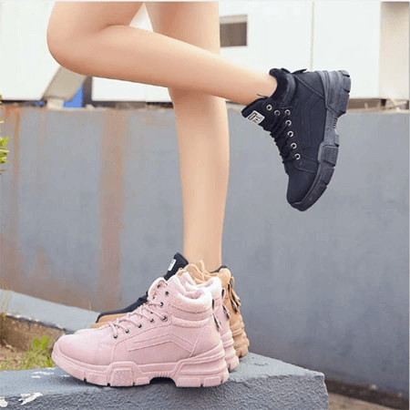 Giày nữ cá tính