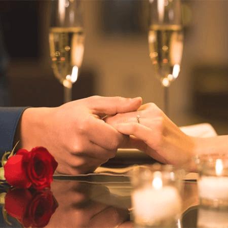 Ăn tối cùng bạn gái