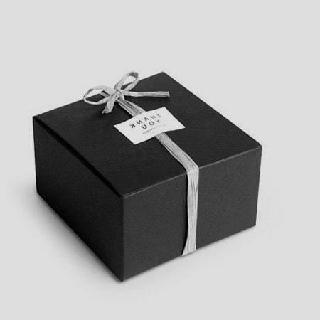 Không nên chọn gói quà màu tối