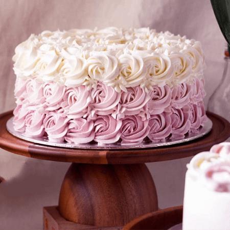 Bánh sinh nhật hoa hồng lấy lòng các cô gái