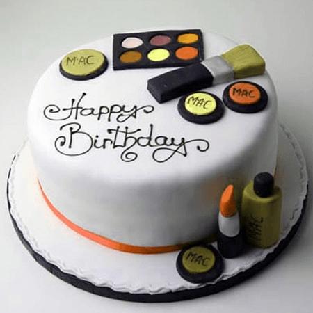 Bánh mỹ phẩm ngộ nghĩnh độc đáo chúc mừng sinh nhật