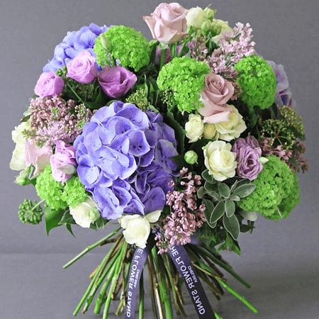 Hình ảnh bó hoa xinh đẹp tặng bạn nữ