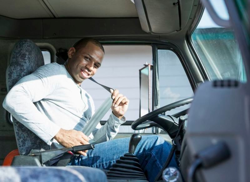What to Look for When Choosing a CDL School