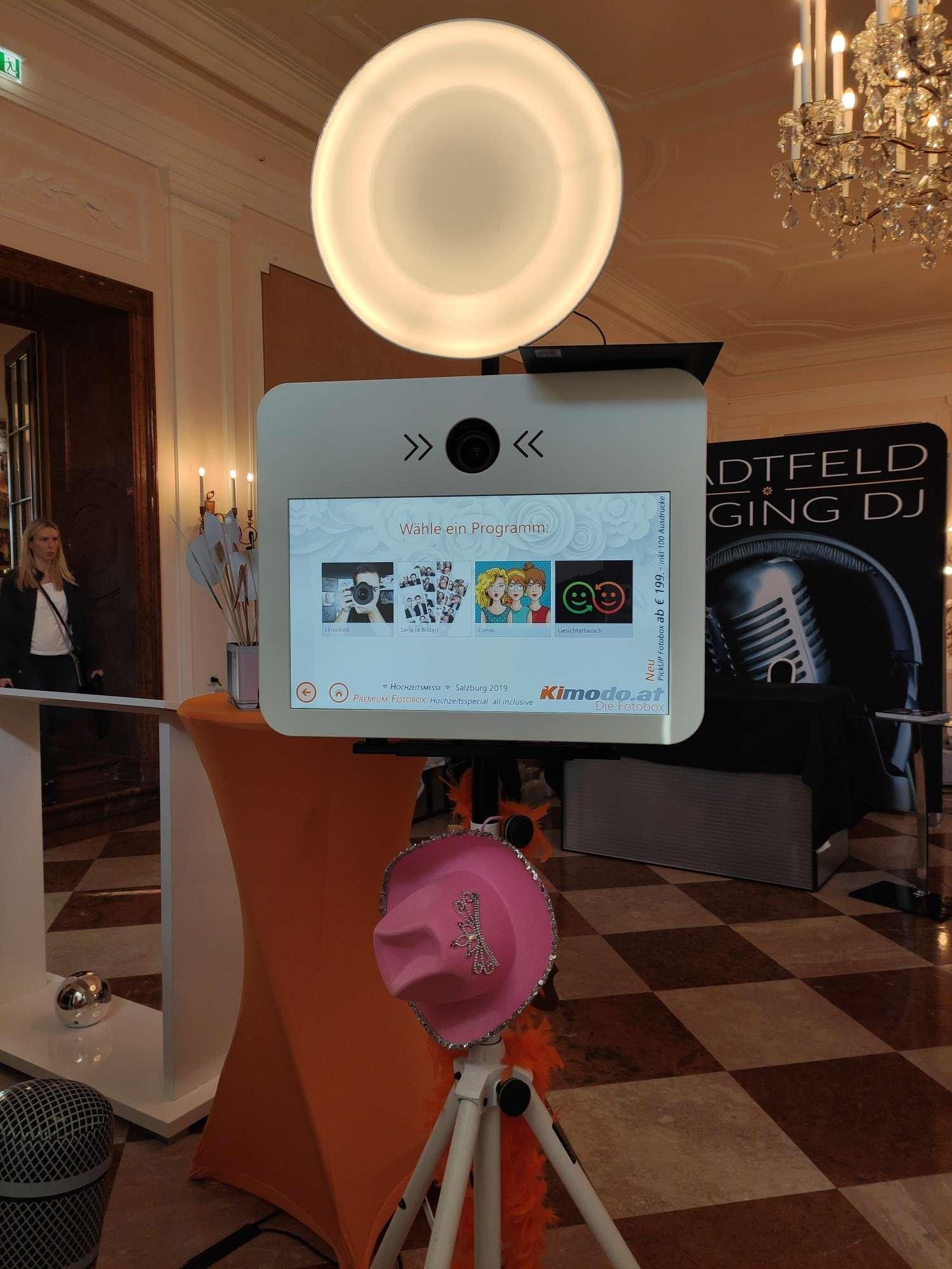 Kimodo Premium Fotobox mieten in Salzburg