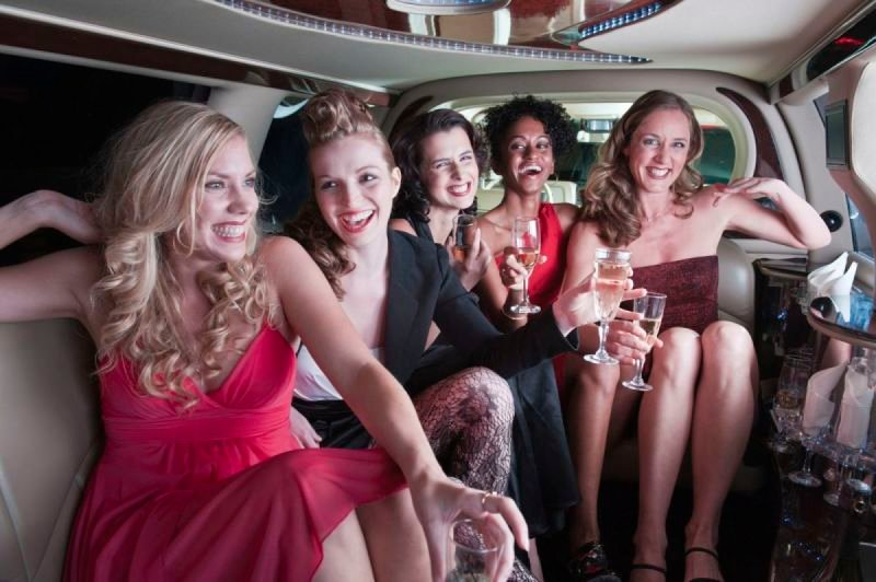 Benefits Of Using A Limousine Service