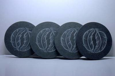 Black stone, feather carving, coaster |sagastone