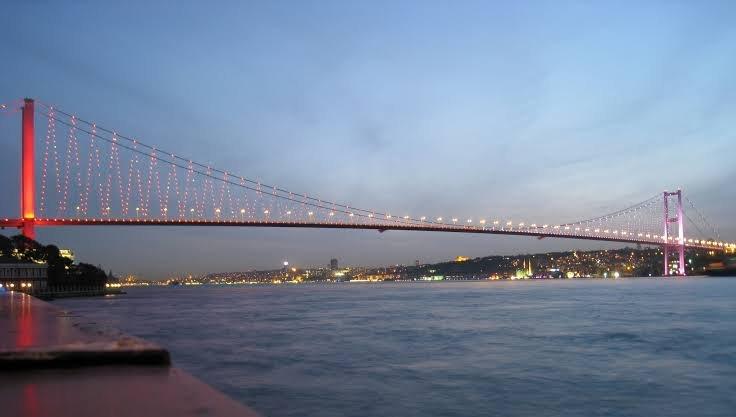 جسر البوسفور في اسطنبول