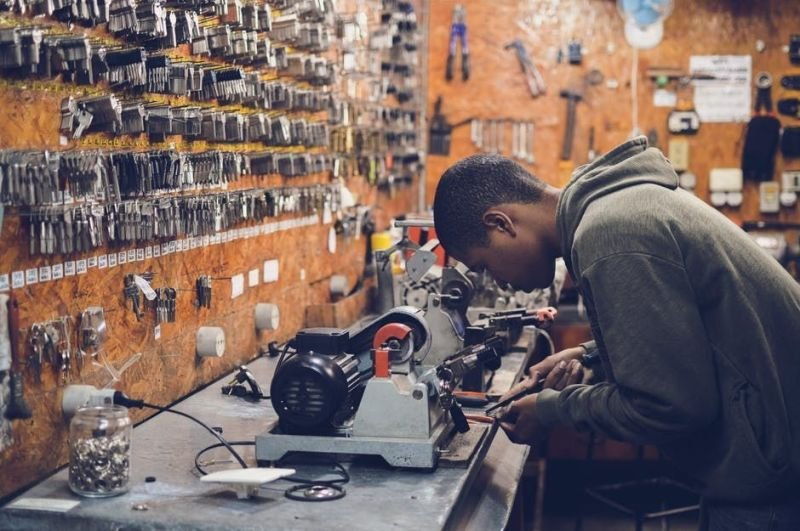The Things to Be Checked When Hiring a Locksmith
