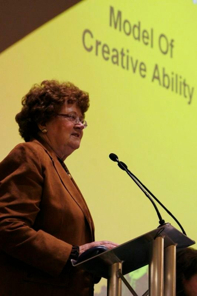 Expert, Holly Holsten - keynote at 2nd International VdTMoCA conference, 2010