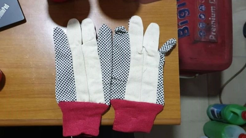 Cotton Dotted Safety Hand Gloves White Color.
