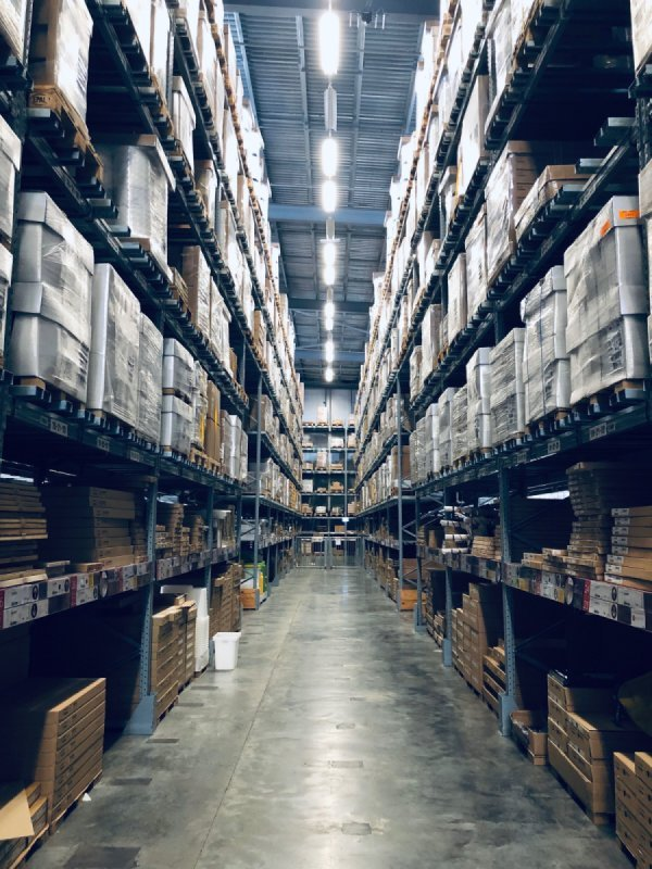 INDUSTRIAL REAL ESTATE WAREHOUSE LEASING