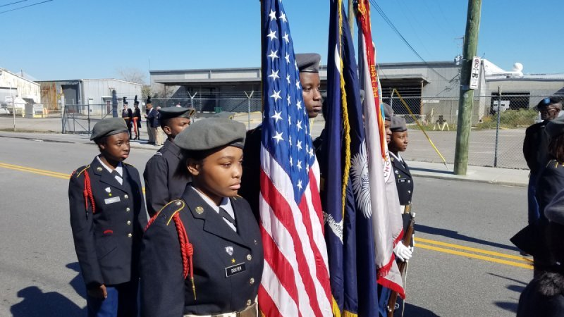 Charleston's veterans day parade