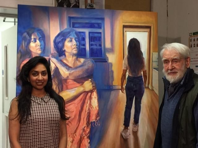 Rebecca Asghar being awarded the Mr Heatherley prize 2018