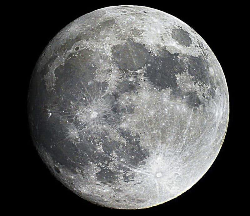 Question n°51 : Pourquoi voit-on toujours la même face de la Lune ?