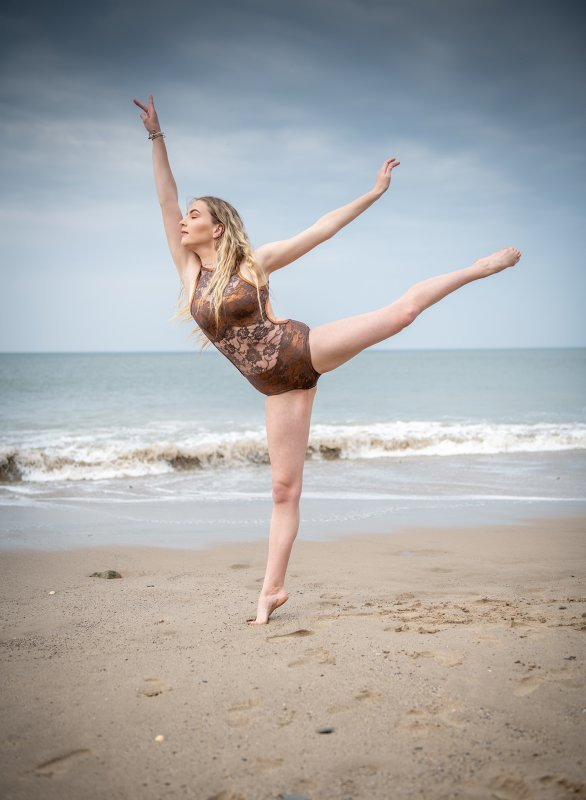 Dance, Contortion, Fitness & Modelling  On Location Shoots