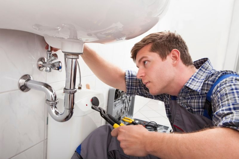 Factors to Consider When Looking for a Good Plumber