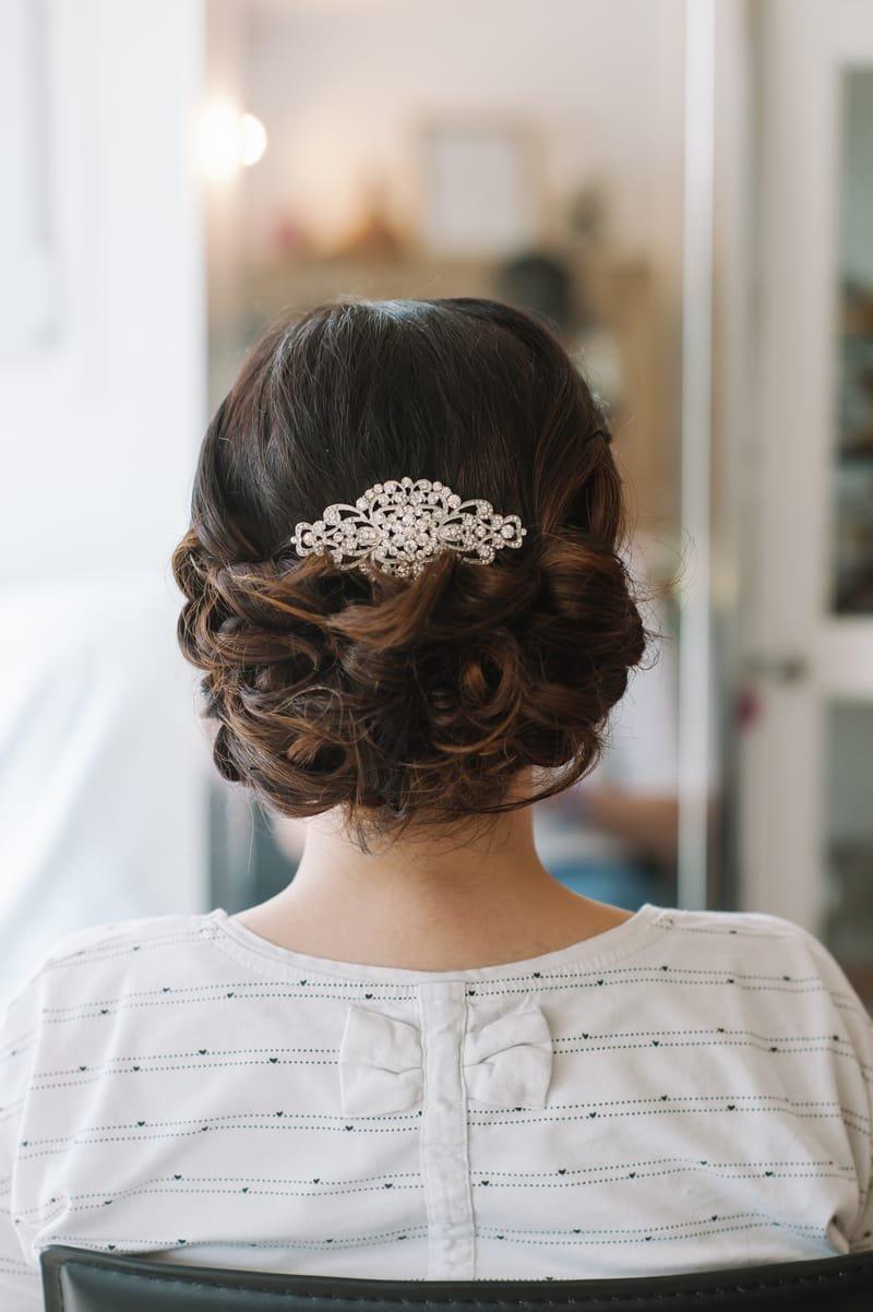 Chignon bas mariage princesse et bijoux pour cheveux