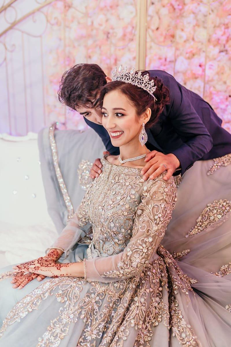 Maquillage et coiffure mariage oriental avec diadème