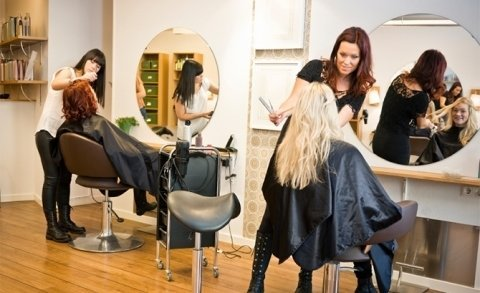 Important Factors to Consider When Choosing Cosmetology Schools