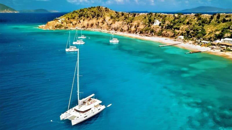 Yacht & Catamaran Charter
