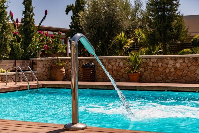 Aspect to Note When Buying the Best Pool Water Treatment Product