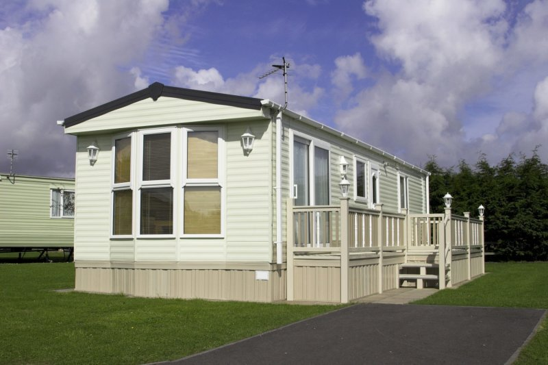 How to Choose a Reliable Mobile Home Exterior Doors Dealer