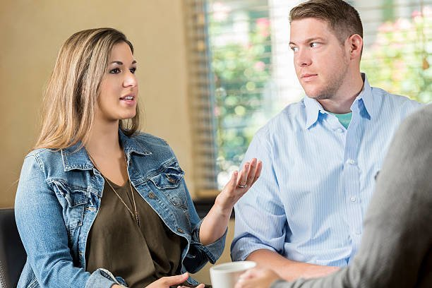 Various Factors To Consider When Choosing a Marriage Counselor