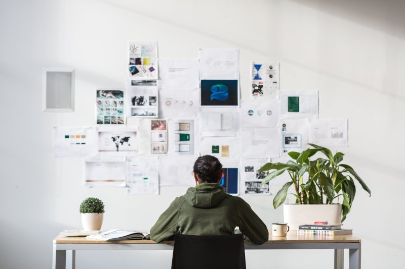 REDESIGN YOUR WORK SPACE LIKE OFFICE SPACE
