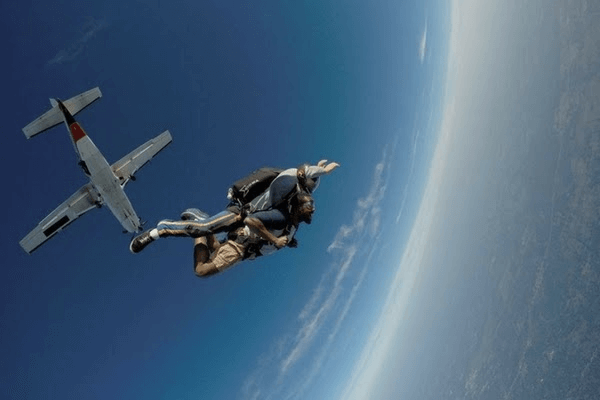 skydive-tecumseh-photo-2.jpg