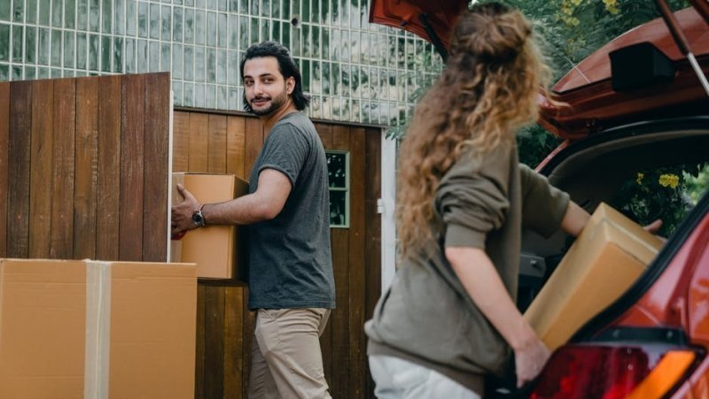 Essentials That You Should Check Whenever You Are Hunting For An Ideal Moving Company