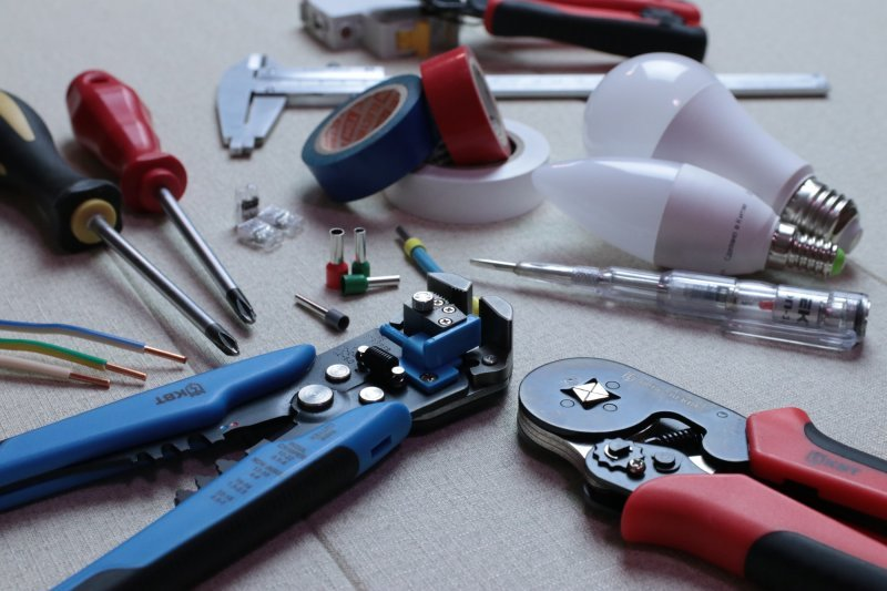 Helpful Tips for Selecting a Reliable Electrician