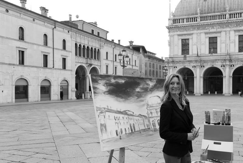Performance in Piazza della Loggia