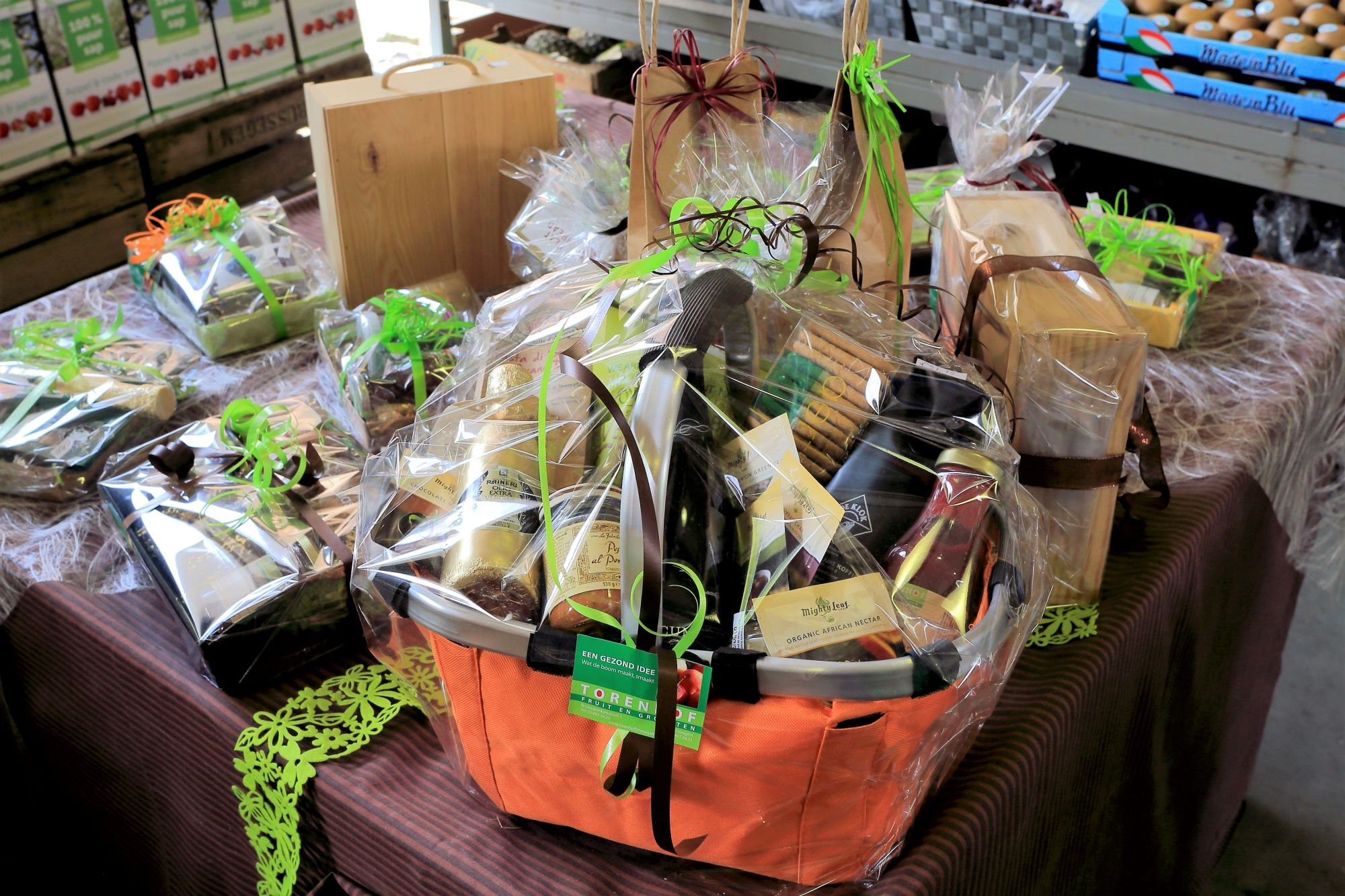 Een geschenkmand of geschenkcheque zijn het ideale geschenk tijdens de feestadagen