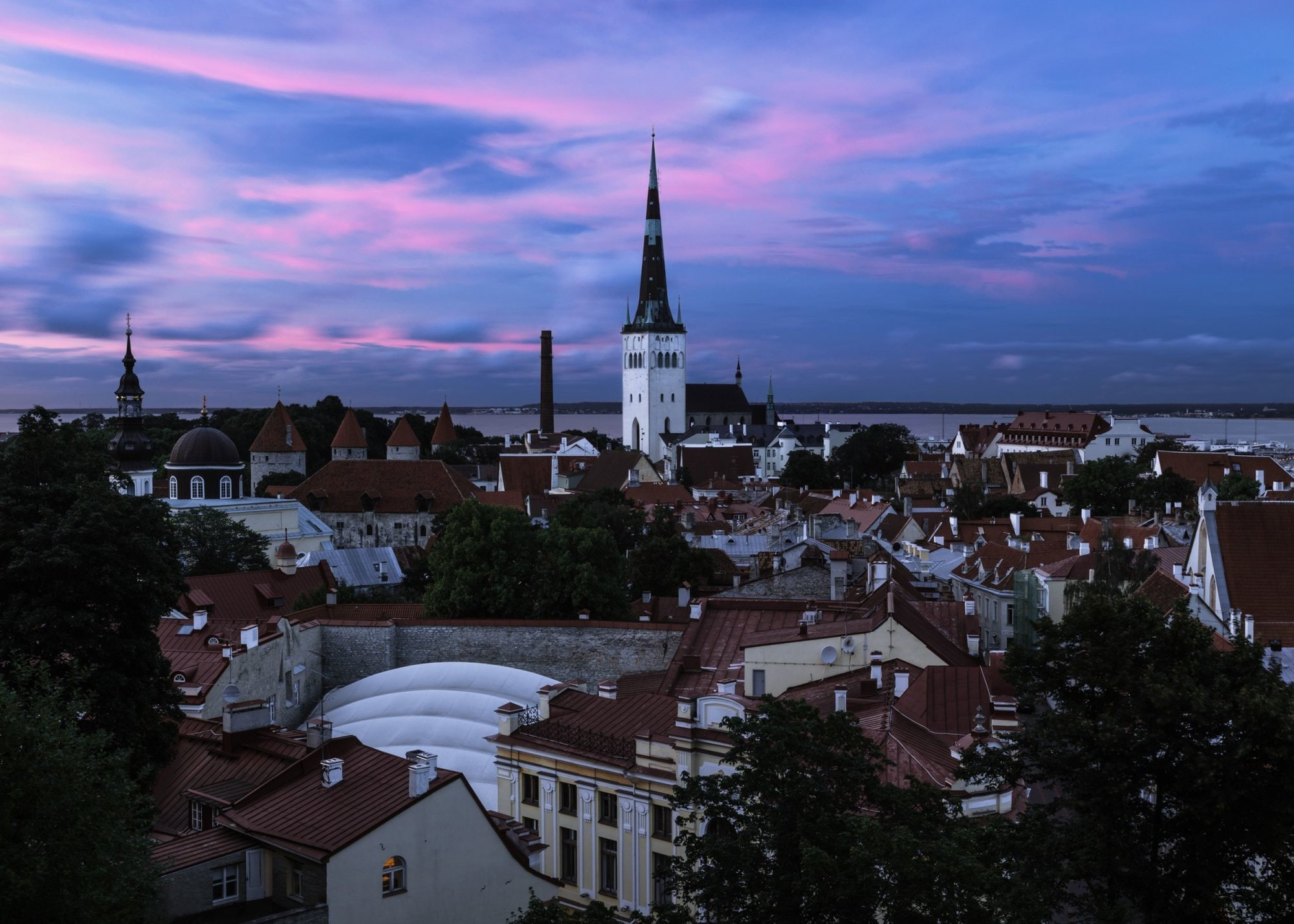 English-Speaking Taxi Price to Tallinn from St Petersburg
