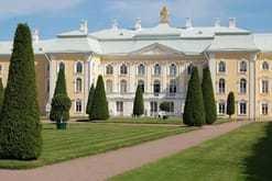 Pushkin and Peterhof Taxi