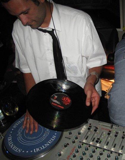 Kava Spinning Vinyl