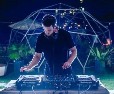 Hugh Def Profile - Scientfic Sound Asia