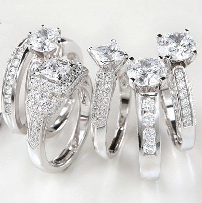 What to Consider When Buying an Engagement Ring?